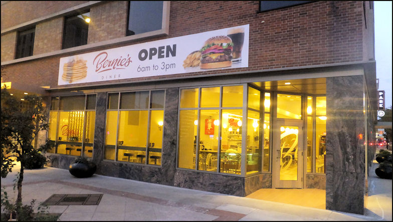 Photo Bernie S Diner Opens At 6 Every Morning And Today Thursday August 24 2017 I Arrived About 10 Minutes After The Restaurant Opened